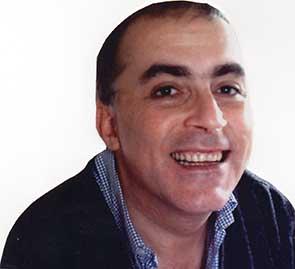 Magician Jorge Barriga